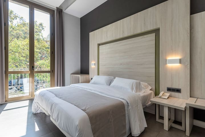 Deluxe Double Room City View extra bed