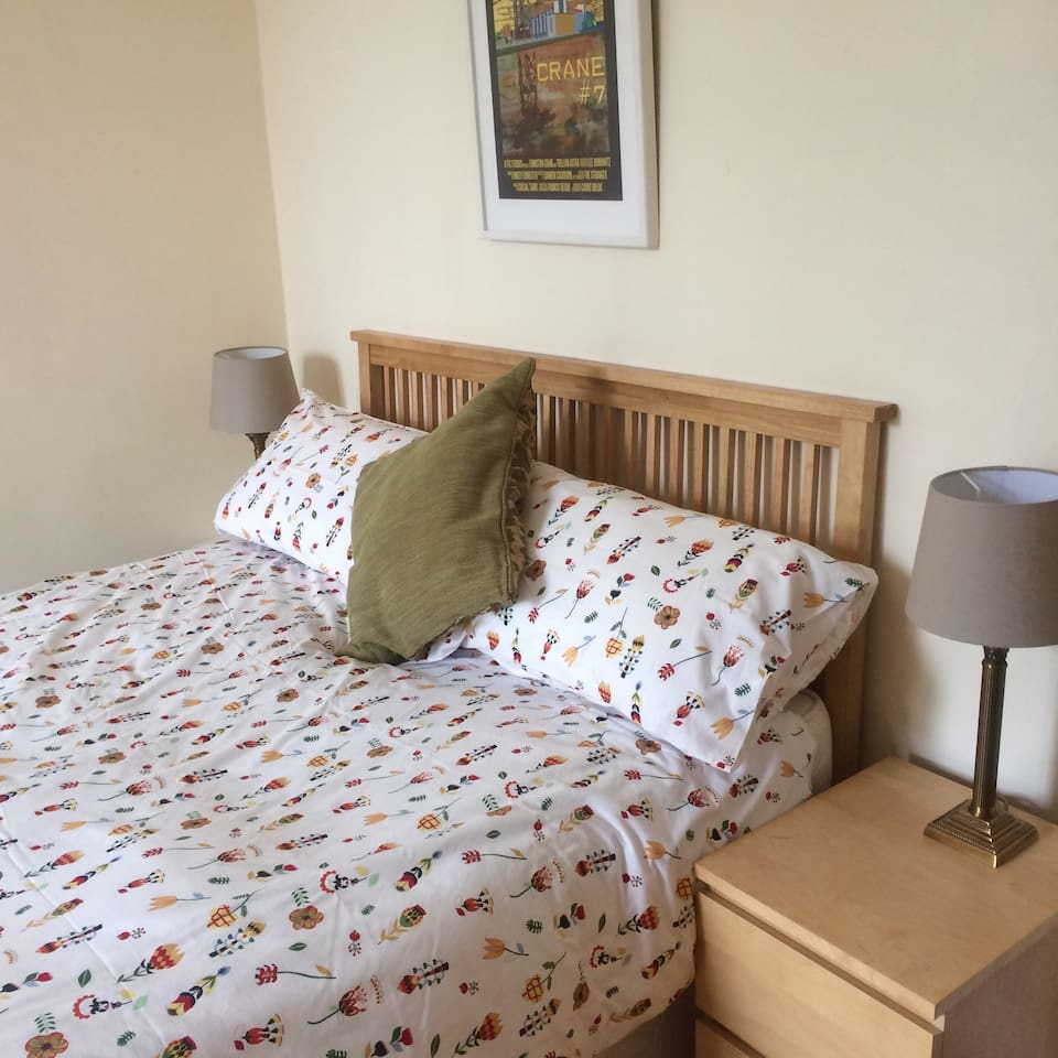 Large Sunny Bedroom with King Size bed
