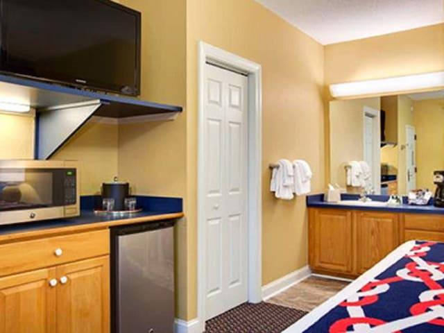 Hotel room at Harbour Lights Resort