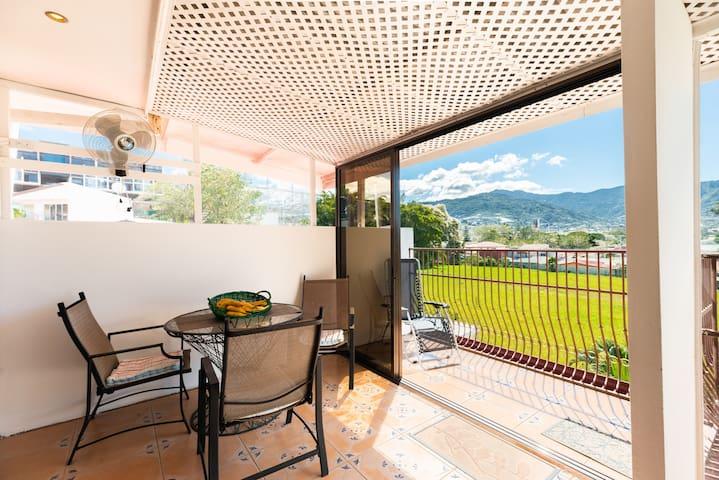 Apartment Dino with niceview toSanta Ana Mountains