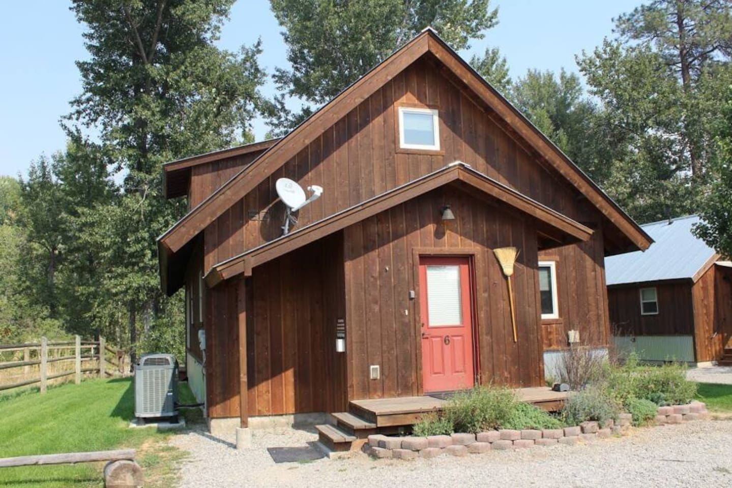 Cabin #6 - Great for two couples traveling together.