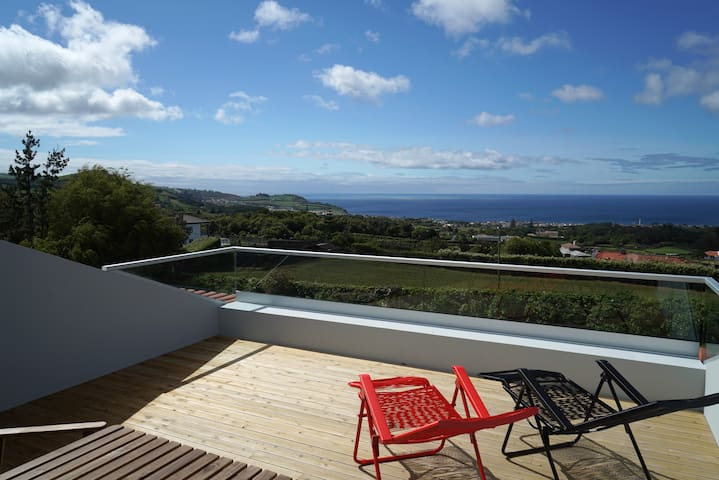 Azores Protea House - A view with 2 rooms