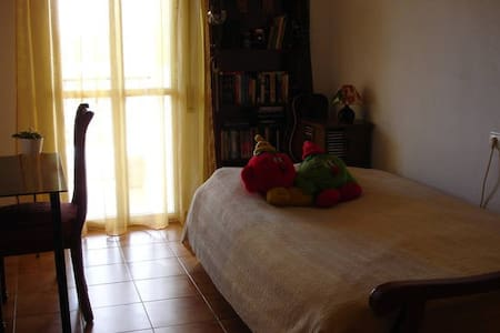 Private room in Fuengirola centre - Fuengirola