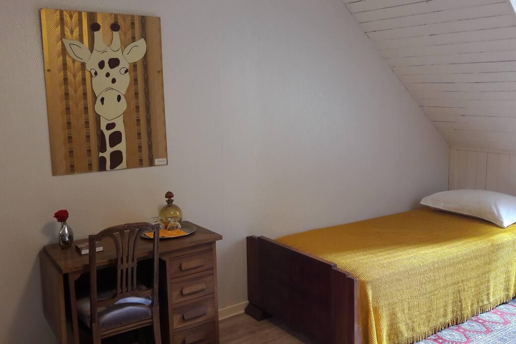 La chambre du haut avec 2 lits simple