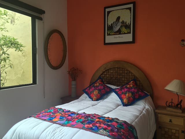 Lovely Diego's Room Coyoacan center