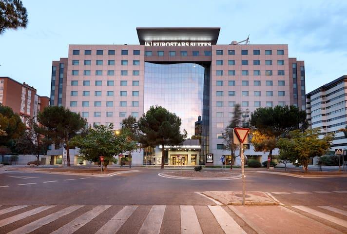 HOTEL EUROSTARS SUITES MIRASIERRA *****