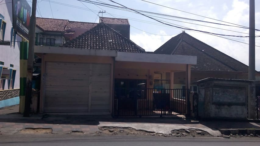 Homy House - Kota Batu - House
