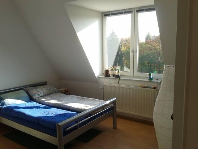 Appart. sous les toits & ascenceur - Berlin - Apartmen