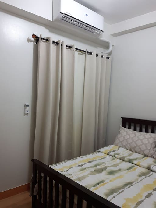 Queen size bed with a comfy 8.5 in mattress and Split type A.C.