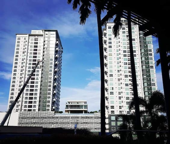 Condo for rent/ alveo place abrezza bajada