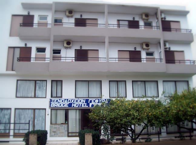 Gefyra Hotel - Agios Nikolaos - Bed & Breakfast