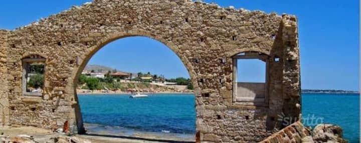 "casa vacanze ""NINFA""   a 50 metri dal mare."