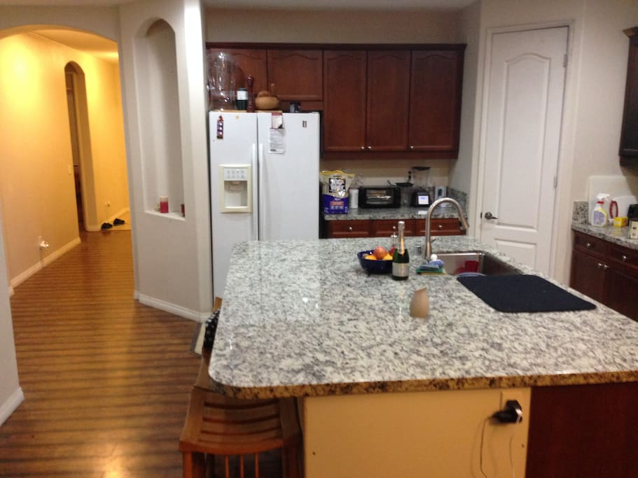 Community access to Kitchen.