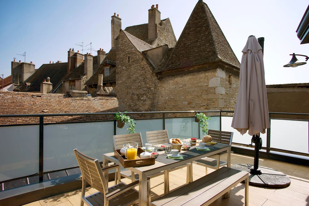 la terrasse des climats la veranda apartments for rent in beaune bourgogne france. Black Bedroom Furniture Sets. Home Design Ideas
