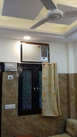 Cream location,Wifi with android tvs,comfortable