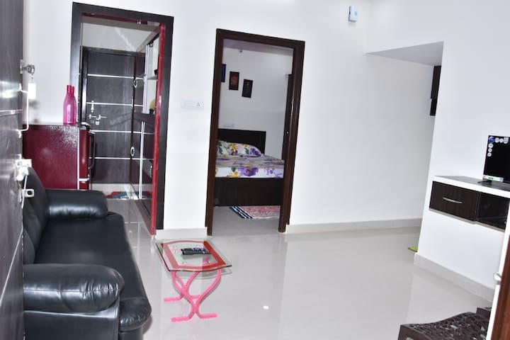1 BED ROOM APARTMENT
