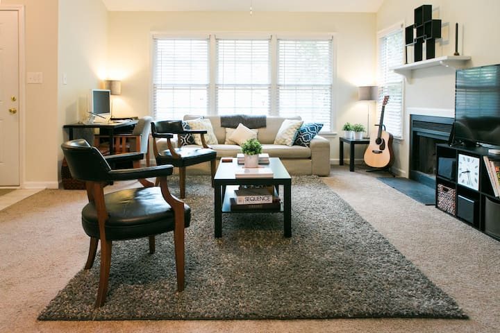 Downtown Living at The Nest — 1st Floor Suite - Raleigh