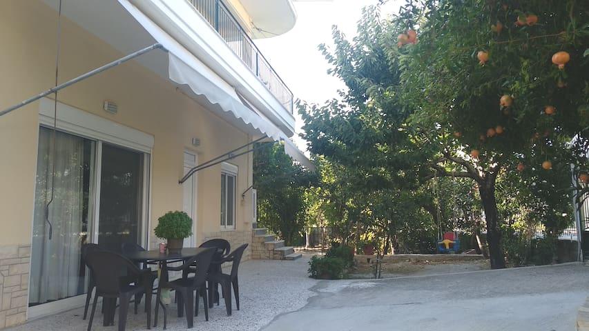 Green Garden appartment with mountain view/Vitala