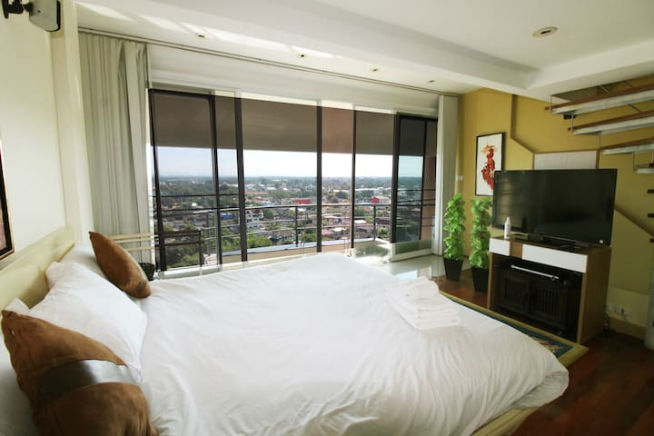 2BR Penthouse on topfloor in city ★★★★★ - Chang Khlan - Apartment