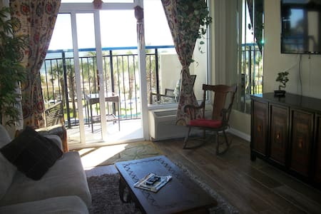 """Honeymoon Suite "" $39(M-Th) thru April - Myrtle Beach"
