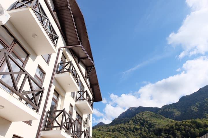Квартира в Красной поляне с видом на горы