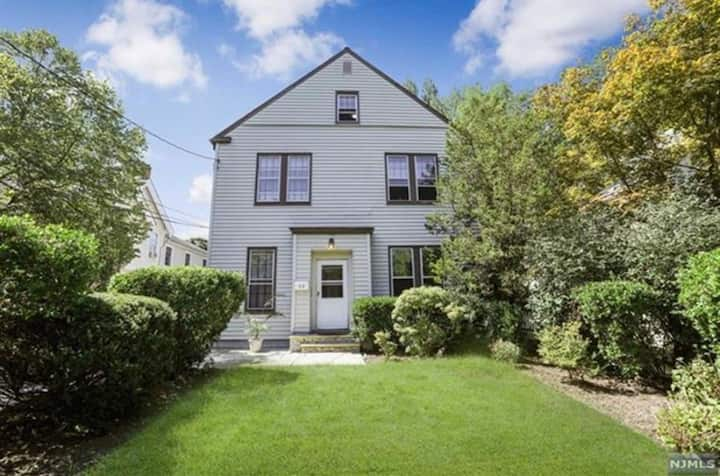 PERFECT, bright, central location 1 bed - Tenafly