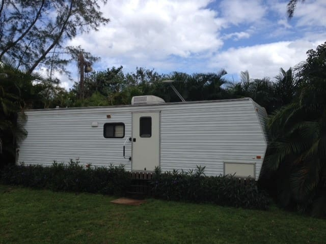 Natural Park Like Setting RV  on fenced acreage - Coconut Creek - Bobil