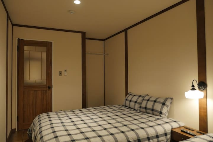 #201 HOTEL S-PRESSO EBISU  難波まで1駅5分の好立地!デザイナーズホテル