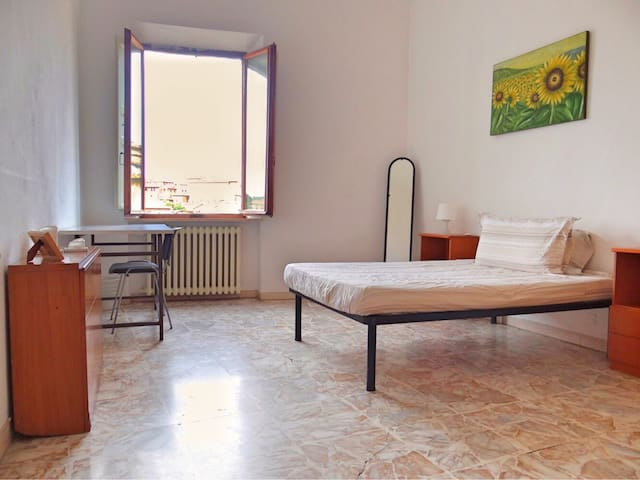 Single room in Siena Center