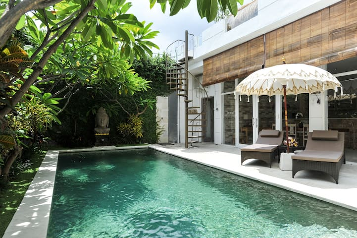 """VILLA BACI"" #2 Seminyak  (Long term available)"