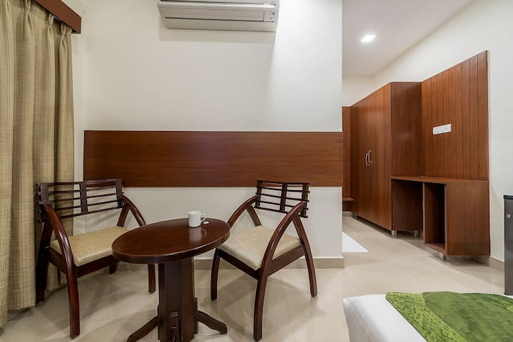 Peaceful Stay near Basheerbagh, Hyderabad
