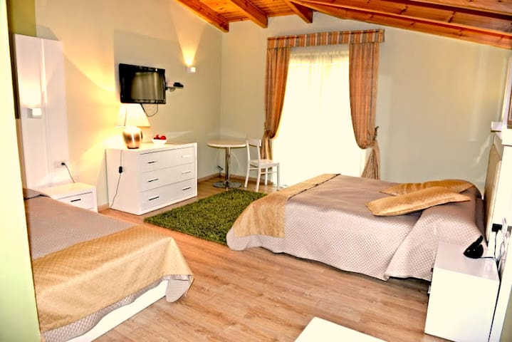 A hotel not only distinguished for - Berat - Bed & Breakfast