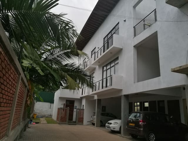 2 BR fully furnished Apartment Wattala