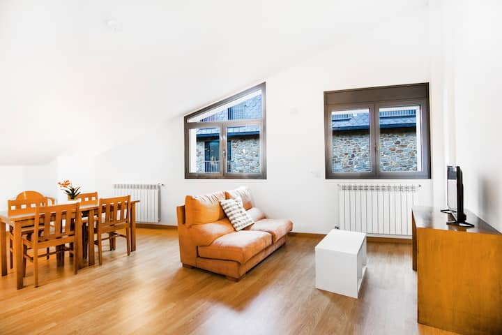 Two bedroom apartment. FF2