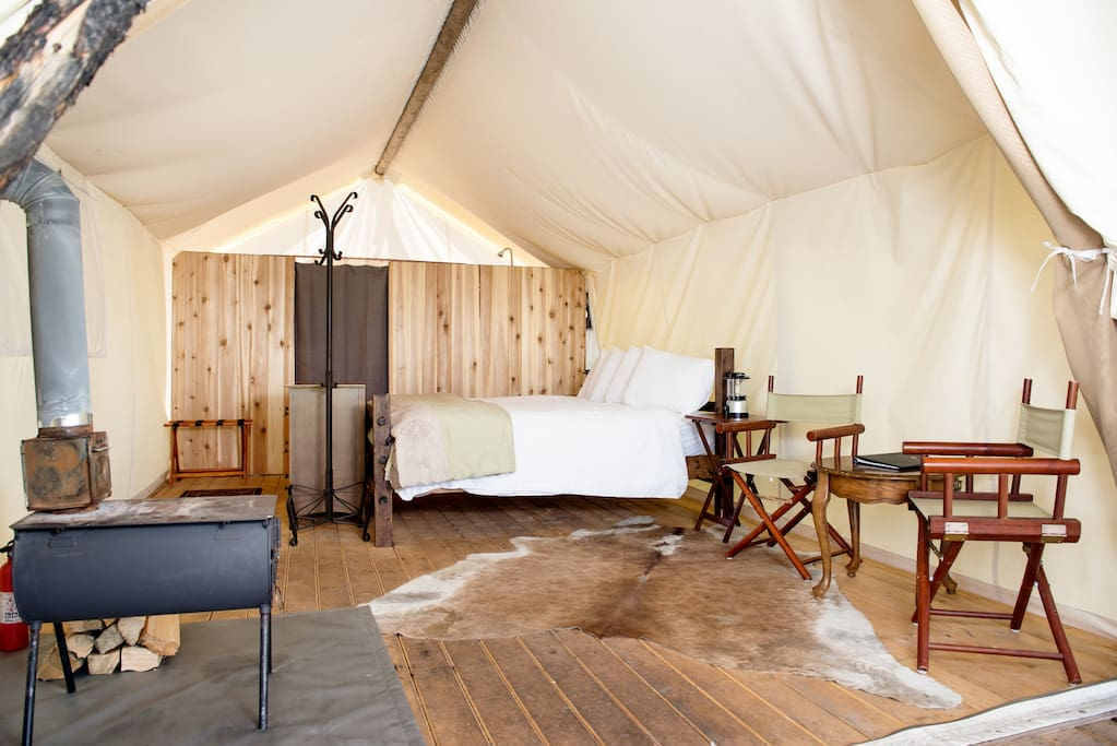 Under Canvas Yellowstone Deluxe With King Bed Tents