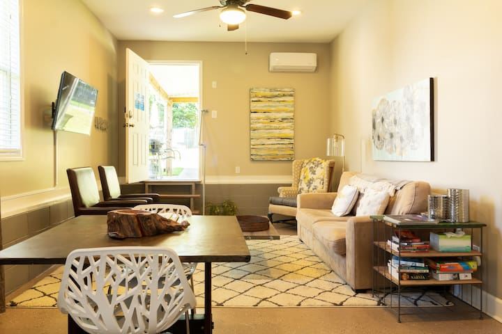 The Shalom Suite - A cozy Space to Relax in Greer
