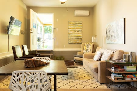The Shalom Suite - A Clean Space w pool in Greer