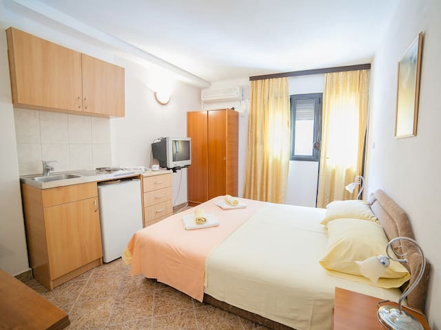 Harmony - Lovely Studio with Balcony - Budva - Rumah