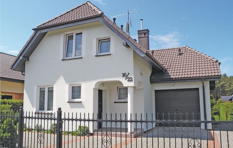 Holiday cottage with 3 bedrooms on 80m² in Rowy
