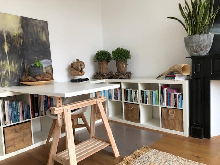 XLarge Garden Room. The Hague, Rijswijk, Voorburg