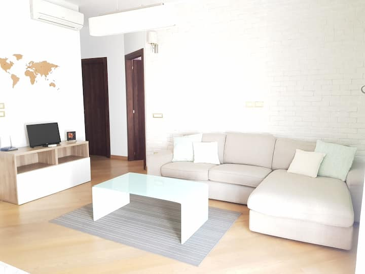 Kinga's apartment free parking 2 bedrooms + living