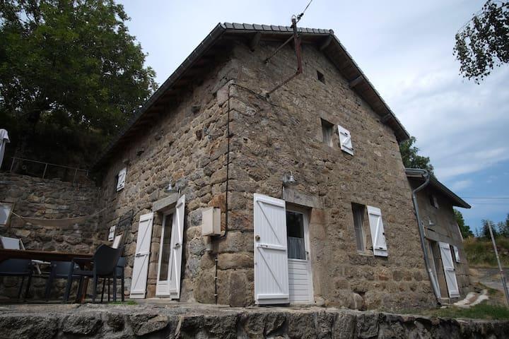Le Monteil 07310 St. Julien d'Intres