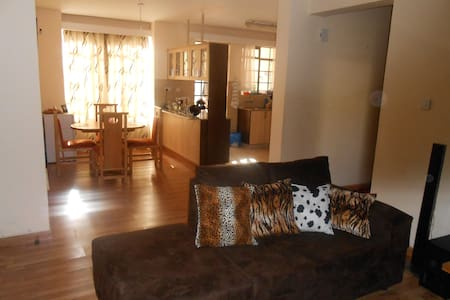 2 Comfortable Rooms In an Apartment Near the City - Nairobi