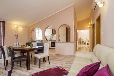 4 Bedrooms Home in Labin #9 - Labin - Σπίτι