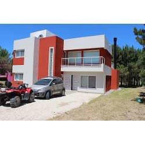 Casa en Costa Esmeralda, cerca de Pinamar - Buenos Aires - House