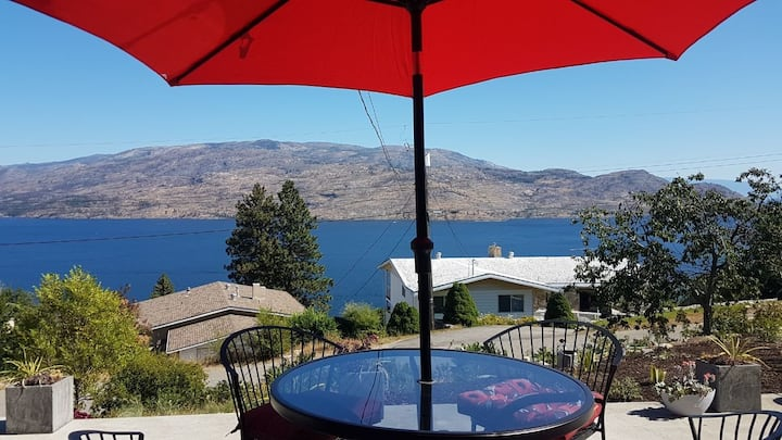 Private Lakeview Suite with King Bed, Peachland
