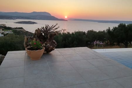 The Sunset Villa. Amazing sea view. - Plaka