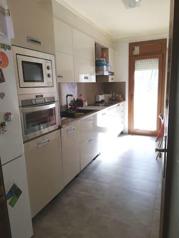 Habitación individual en casa Adosada en Vic