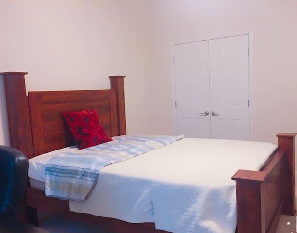 Lovely Room close to VA Hospital, CDC, Emory U - Decatur - Hus