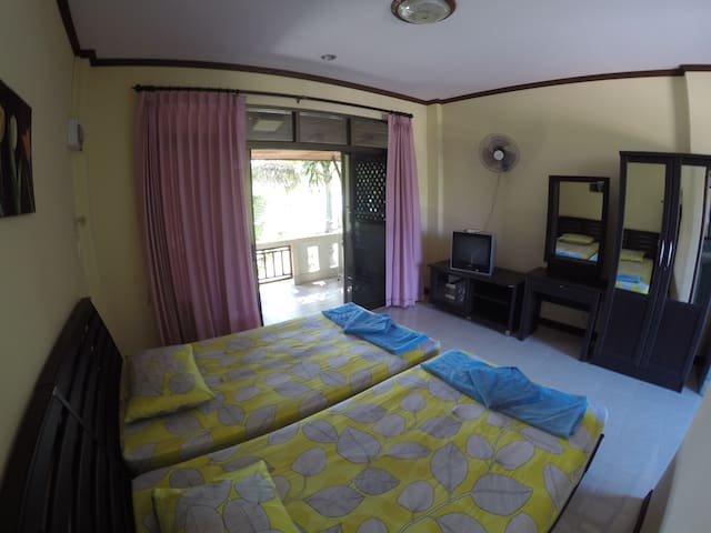 Beer's house twin bed - Ko Samui - Byt